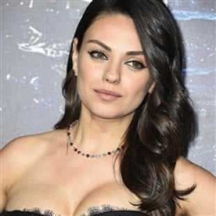 Mila Kunis Shows Her Sloppy Post-Prego Cleavage At The 'Jupiter Ascending' Premiere