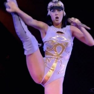 Katy Perry Queefs On Stage