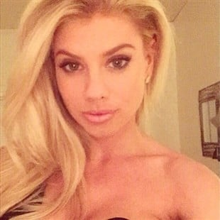Charlotte McKinney Nude Cell Phone Photos Leaked