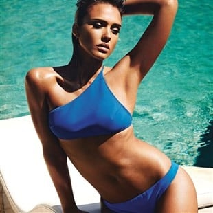 Jessica Alba Offends In New Swimsuit Photo Shoot