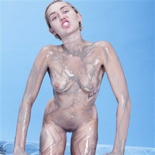 Miley Cyrus Finally Fully Nude