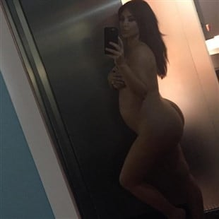 Kim Kardashian Nude Selfie And BTS Sex Video