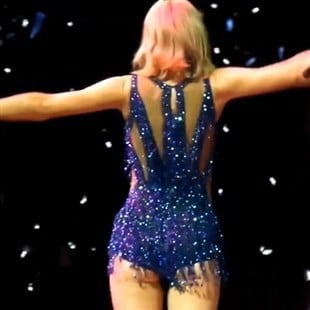 Taylor Swift Flaunts Her Ass In Concert Video