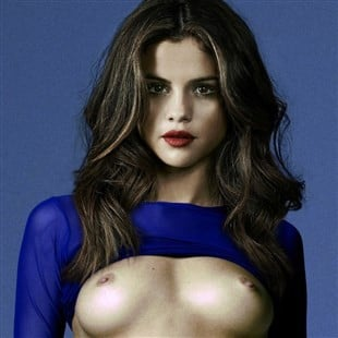 Selena Gomez Just Standing Around Naked