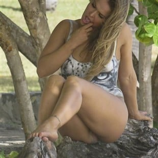 Ronda Rousey Vagina Slip In New SI Photo Shoot Behind-The-Scenes Pic