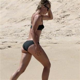 Maria Sharapova Bikini Beach Candids