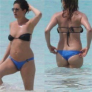 Jennifer Aniston Looking Fat In A Bikini