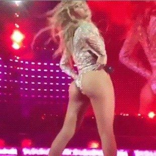 Beyonce Ass Shaking In Concert Video