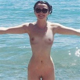 Maisie Williams Bikini