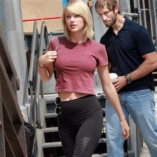 Taylor Swift Looking Tight While Dating A Black Guy