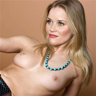 Reese Witherspoon Naked With Her Legs Spread