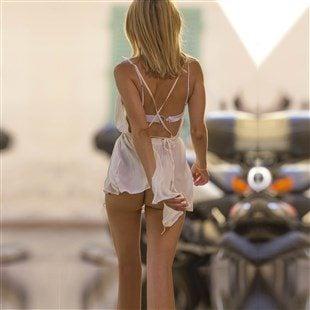 Kimberley Garner Nude Ass Upskirt