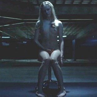 "Evan Rachel Wood Nude In The First Episode Of ""Westworld"""