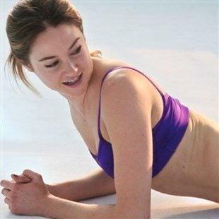 "Shailene Woodley Nude Sex Scene From ""Snowden"""