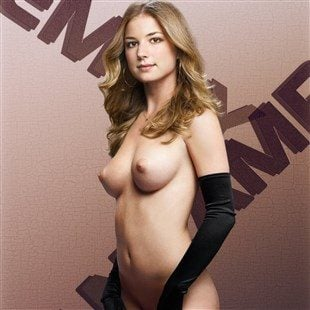 Emily VanCamp Poses Fully Naked
