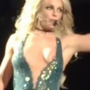 Britney spears boob uncensored