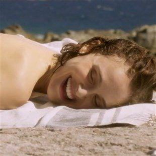 """Natalie Portman Nude While Getting Urinated On In """"Planetarium"""""""