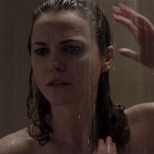 """Keri Russell's Nude Ass In The Shower On """"The Americans"""""""