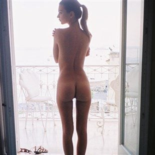 Emily Ratajkowski Nude Out On A Balcony