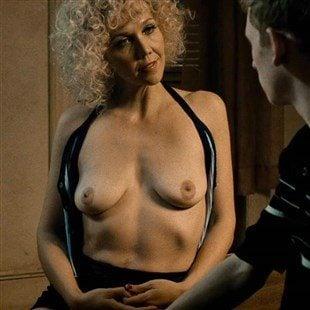 Maggie Gyllenhaal  nackt