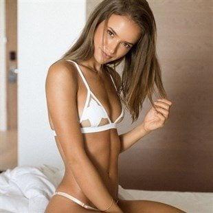 Helen Owen Nude Photos & Naked Sex Videos
