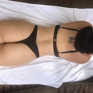 Ariel Winter's Dumpy Ass In A Thong Bikini