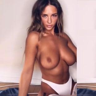 naked girls shaking their titties