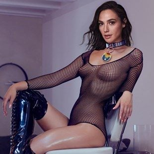 "Gal Gadot Nudity And Bondage In New ""Wonder Woman"""