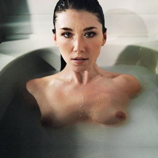 Jewel Staite Nude Topless Outtake Leaked