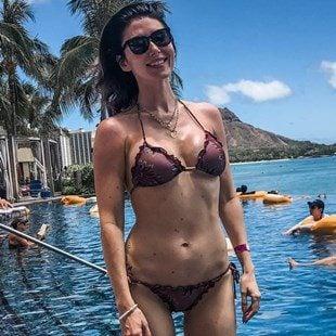 Jewel Staite Flaunts Her Body In A Bikini
