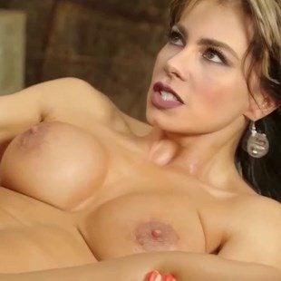 Sofia Vergara Toppless