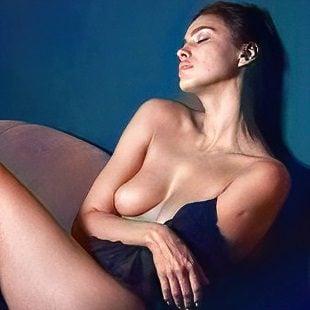 Irina Shayk  nackt