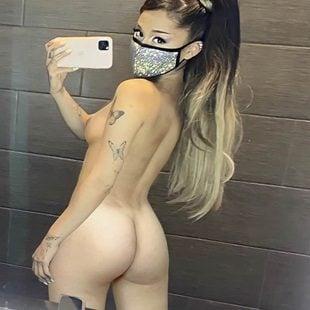 Nackt ariana fakes grande Ariana Grande