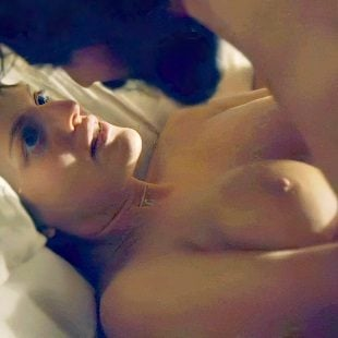 "Elisabeth Moss Nude Scenes From ""Top of the Lake"" Enhanced"